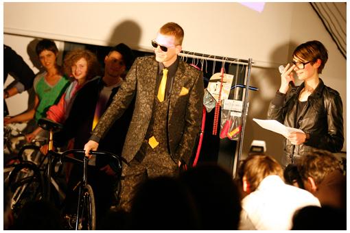 Laas Unltd präsentiert den Klassik Look in einem Anzug von Herr von Eden