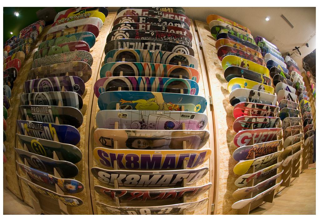 Eine 12 Meter lange Skateboardwall wirkt wie die Farbkarte von Pantone.